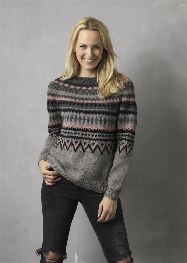 4720705d Opskrift til bluse i ny-norsk mønster, strikket i Tibet Yak Merino uld